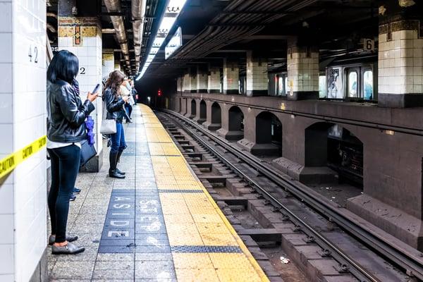 NYC subway train tracks