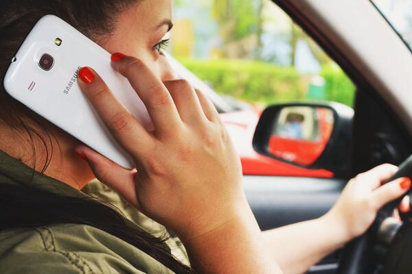 calling-car-communication-3056