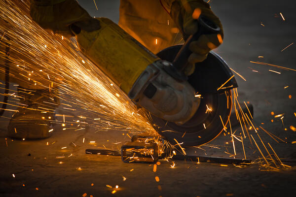 working-with-a-steel-sparkle-dangerous-industrial-industry-working-strong-fire-bright-warm-yellow_t20_mvwdam